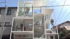 Sou Fujimoto postavil skleněný dům House NA