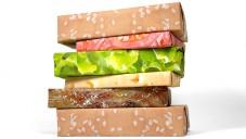 Balícími papíry Gift Couture složíte i hamburger
