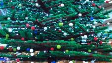 Londýn postavil největší vánoční strom z Lega