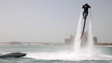 Jetlev Flyer vám umožní létat díky vodě