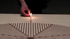 Glithero ukázali způsob malování do dřeva ohněm