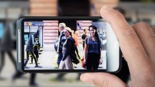 Mobilní program Scalado vymaže z fotky rušivé prvky