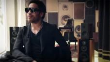 Lenny Kravitz představuje své židle pro Kartell