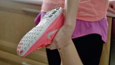 Reklama na nové boty Nike porovnává dva běžce