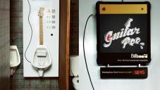Brazilský pisoár Guitar Pee hraje kytarové rify