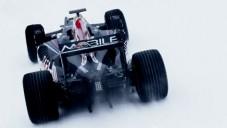 Monopost Renault Formule 1 se proháněl na ledu