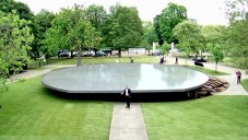 Pavilon Serpentine Gallery 2012 z korku otevřen