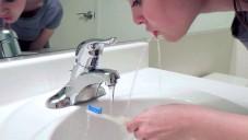 Podívejte se jak funguje kartáček s fontánou Rinser