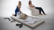 Paq Chair je křeslo i matrace na spaní v jednom