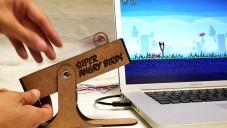 Super Angry Birds je ovladač hry připojený k počítači