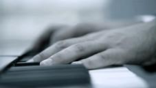 Podívejte se jak Peugeot vyráběl piano pro Pleyel