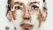 Podívejte se jak Gabi Trinkaus slepuje portréty