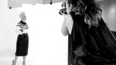 Podívejte se jak se fotí Paris Wells v Rockeby Studios