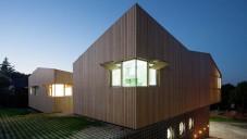 House of Would má střechu jako terasu na opalování