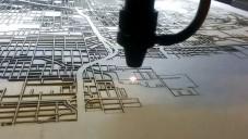 CutMaps vyřezávají laserem obrazy map měst