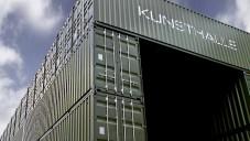 Platoon Kunsthalle se stavělo z dopravních kontejnerů