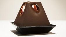 Alexander Lervik navrhl světlo jako čokoládovou svíčku