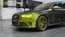 Dvě nová Audi RS 4 Avant se utkala v paintballu
