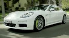 Porsche Panamera S E-Hybrid se ukazuje za jízdy