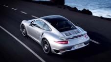 Nové Porsche 911 Turbo ukazuje své inovace za jízdy