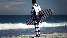 Speciální grafické kombinézy zmaří útoky žraloků
