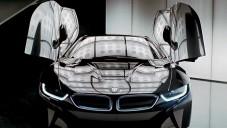 BMW i8 ukázáno za jízdy i živě ve Frankfurtu