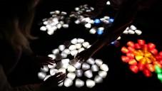 Crystal je instalace složená ze svítícího Lega z Marsu