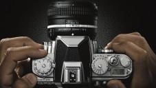 Nikon představil digitální zrcadlovku Df v retro balení