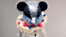 Toy to the World zdobí medvídky do aukce proti AIDS