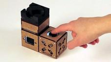 Cuboino je hra z dřevěných kostek elektronikou ovládaná