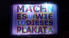 Ikea má jeden RGB billboard se třemi různými sděleními