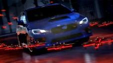 Subaru WRX STI zdolává dráhu vytyčenou létajícími drony