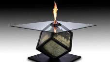 Španěl vytvořil sochu z hořících 50eurových bankovek