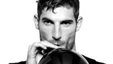 Modelové od Dolce & Gabbana lichotí s hlasem po heliu