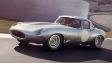 Jaguar ukazuje krásu vozu Lightweight E-type za jízdy