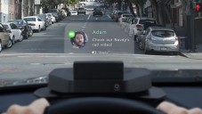 Navdy je projektor do auta ovládaný hlasem a gesty