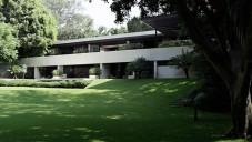 Architekt Carlos Herrera ukazuje své prázdninové sídlo v Mexiku