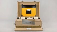 K1299 je dřevěný kufr s rozšířenou realitou pro architekty