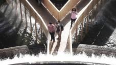 Lisabonská fontána Fonte Luminosa dostala dočasnou lávku