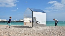 mirrored-beach-hut
