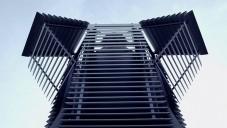 Daan Roosegaarde postavil v Rotterdamu první Smog Free Tower