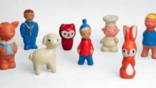 Výstava Dohnat a předehnat nabízí i retro hračky z 60. let