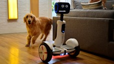 Segway vyvinul osobního robota pro dopravu i zábavu