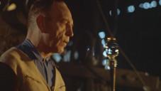 Glas je oscarový film o ručním foukání skla v roce 1959