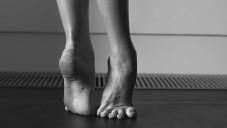Lauren Cuthbertson ukazuje dovednosti i těžký život baletek