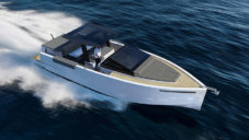 De Antonio Yachts navrhli minimalistický člun D33 Cruiser