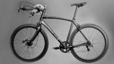 Twicycle je speciální kolo poháněné rukama i nohama