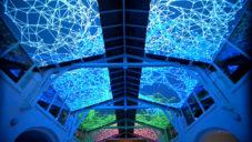 Miguel Chevalier vytvořil kaleidoskopickou projekci vesmíru
