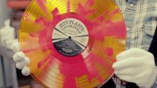 Gotta Groove Records ukazují jak vyrábí barevné vinylové desky