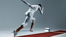 Skynfeel Apparel je sportovní dres z materiálu jako kondom